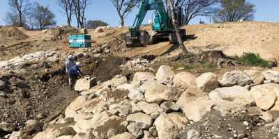 リブ石組施工状況