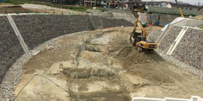 低水路に澪筋を設ける工事