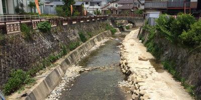 落差工と石組改修による流れの変化形成 -工事後-